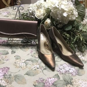 7 inch heels & 81/2inch small clutch purse